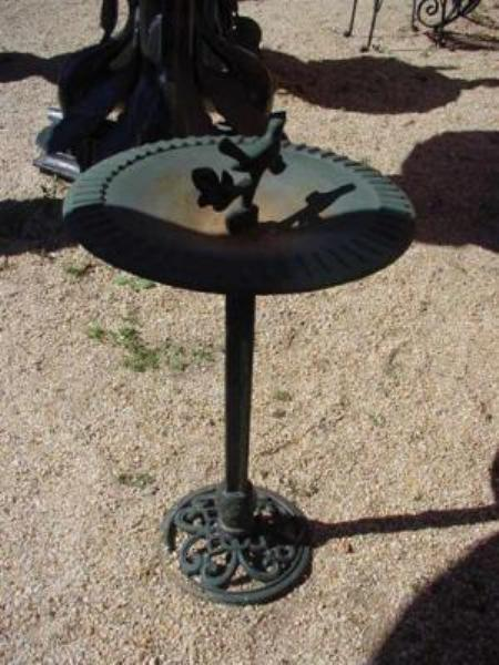 CAST IRON BIRD BATH --- CI 85