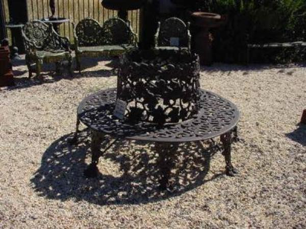 CAST IRON TREE SEAT  GF42