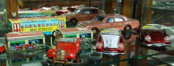 Antique Scale Model Cars --- AUTO 28