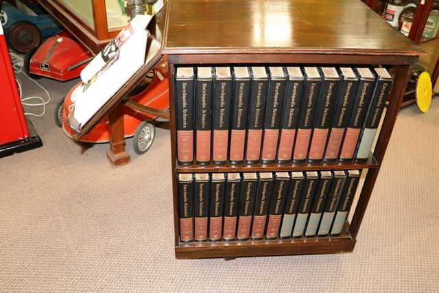Large Early C20th Oak Revolving Bookcase