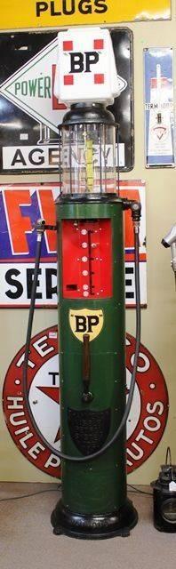 1920s Hammond Visible Manual Petrol Pump