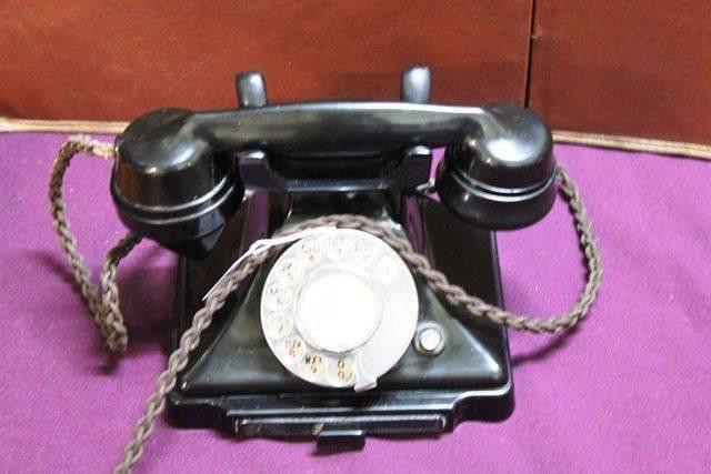 1930s Bakelite Pyramid Telephone