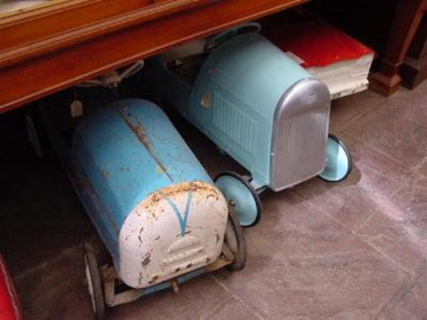 PERIOD PEDAL CARS     AUTO 57