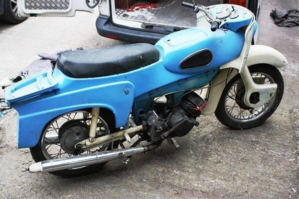 1960s Ariel Leader 250cc Motorcycle for Restoration