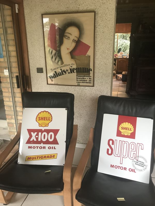 2019 2 Shell Enamel Signs X100 and Super