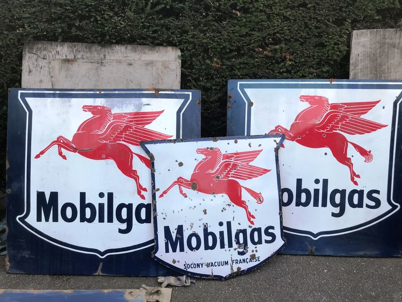 3 Large Mobil Pegasus Enamel Signs