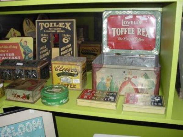LOVELLS TOFFEE REX TIN --- ADV 63