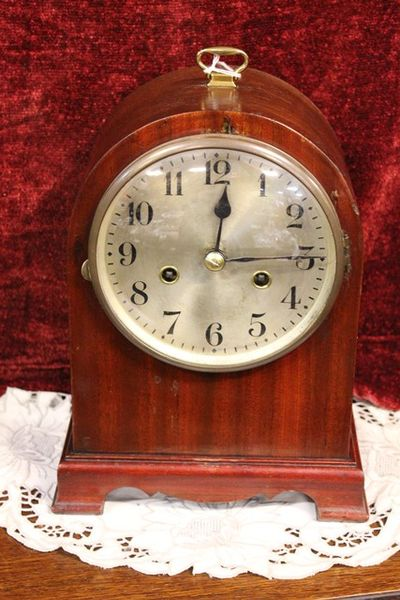 8 Day Mahogany Case Mantle Clock