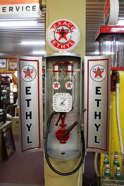 A Rare And Unusual CPD Clock Face Manual Cabinet Wall Mount Petrol Pump In Texaco Livery