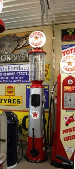 A  Well Restored 1927 Clear Vision 436 10 Gallon Petrol Pump In Texaco Livery
