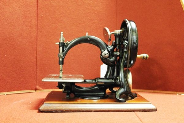 Antique Victorian Wilcox And Gibbs Sewing Machine With Original Box