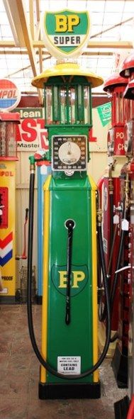 Art Deco Boutillon  Manual Pump