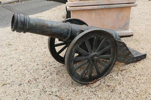 Cast Iron Large Sized Cannon