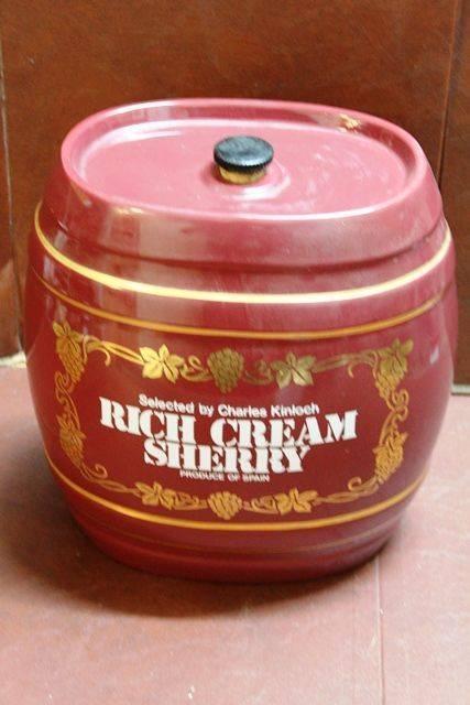 Ceramic Rich Cream Sherry Dispenser
