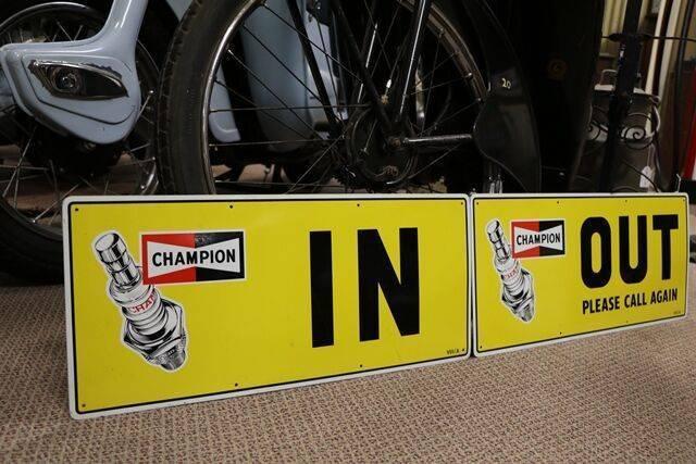 Champion InOut Sign