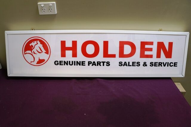 Contemporary HOLDEN Parts and Service Light Box