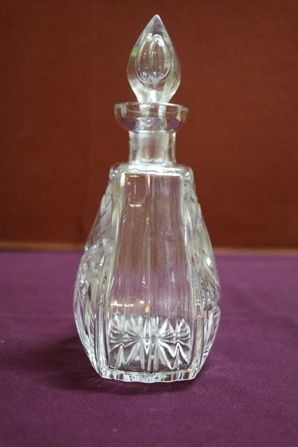 Cut Glass Decanter With Stopper