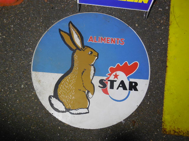 Cute Star Pictorial Rabbit Enamel Sign