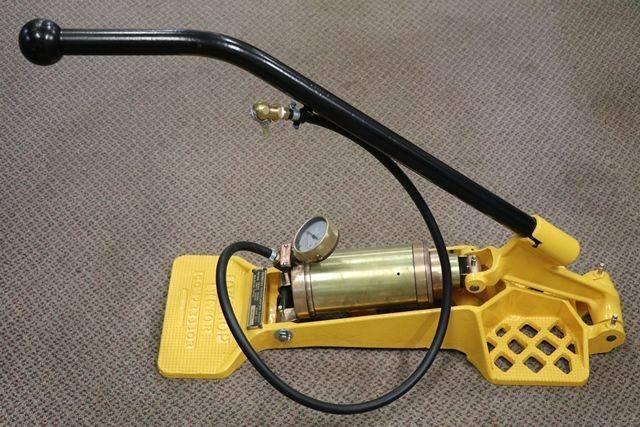 Dunlop Air Pump With Gauge
