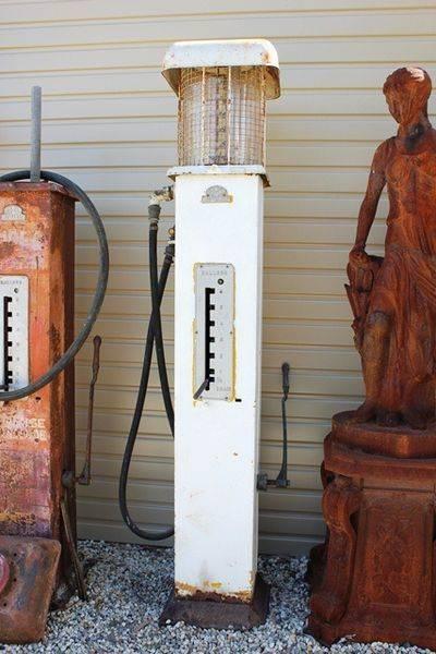 ERL Unrestored Manual Petrol Pump