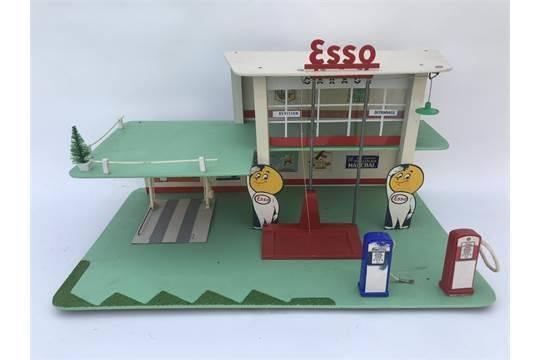 ESSO Toy Garage Service Station