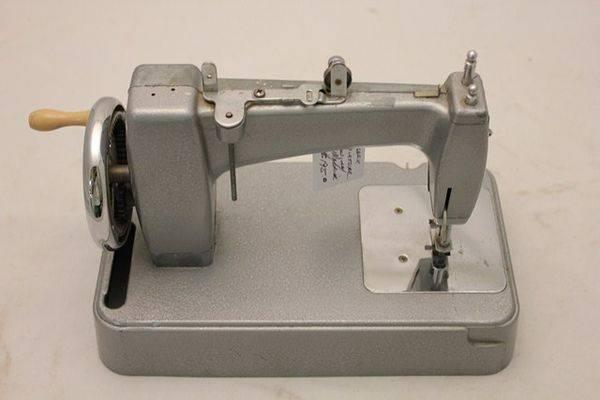 Essex Miniature Sewing Machine