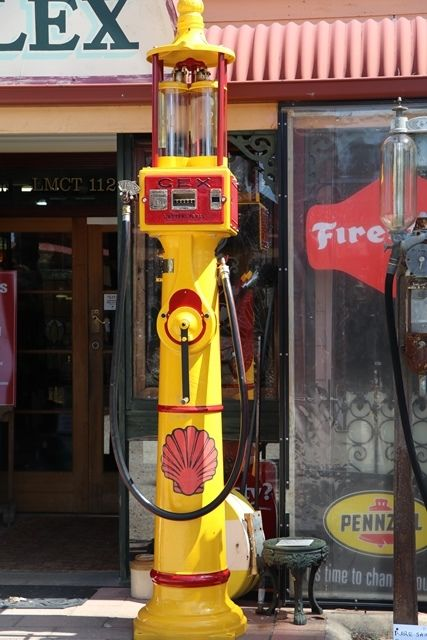 Extremely Rare GEX Deluxe Curbside Street Lamp Petrol Pump
