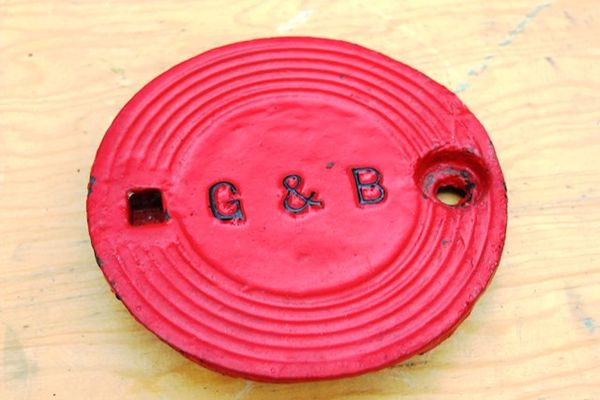 G and B Cast Iron Tank Cover