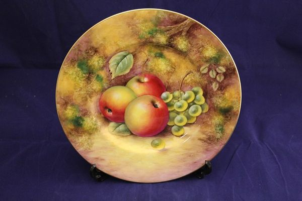 Hand Painted Royal Worcester 12 Fruit Plate by KMinn C1950