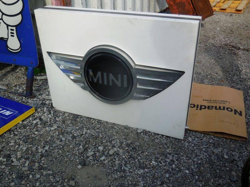 MINI Dealer Showroom Light Box Sign