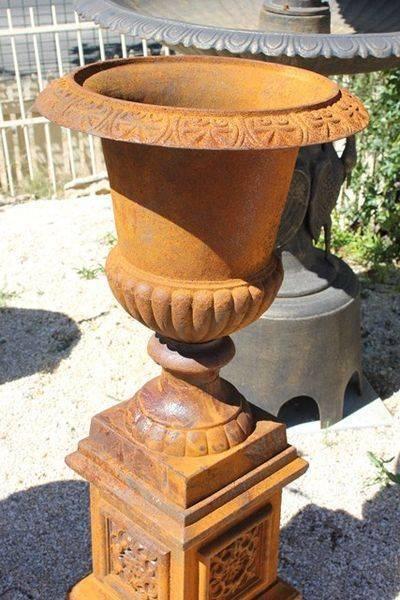 Medium Cast Iron Urn Only