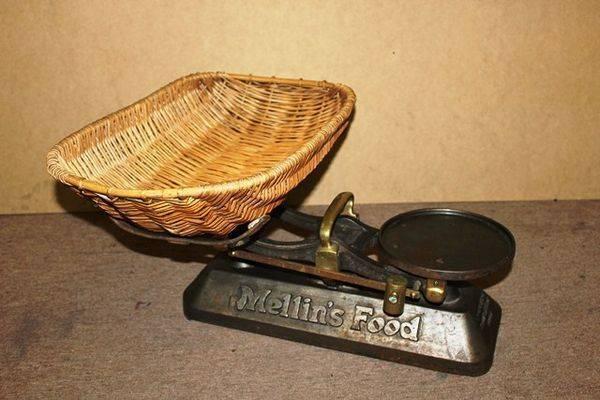 Mellins Food Original Baby Scales + Baby Basket