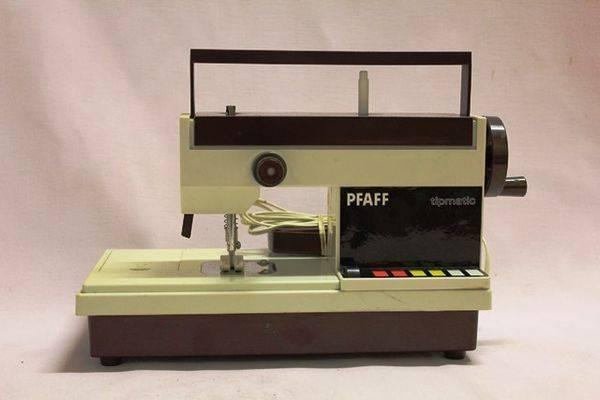 Pfaff Toy Tipmatic Sewing Machine