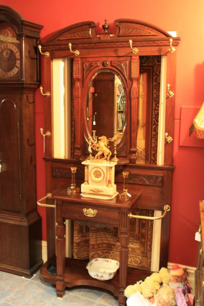 Quality Antique English Walnut Hallstand