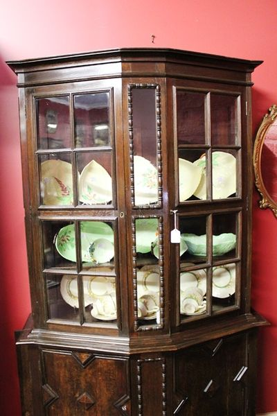 Quality English Oak 2 Door Display Cabinet C 190010 Monthly Special