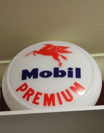 Reproduction Glass Mobil Premium Globe