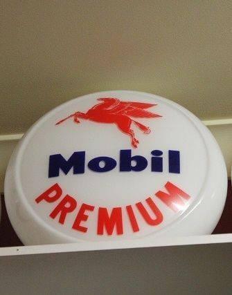 Reproduction Glass Mobil Premium Globe
