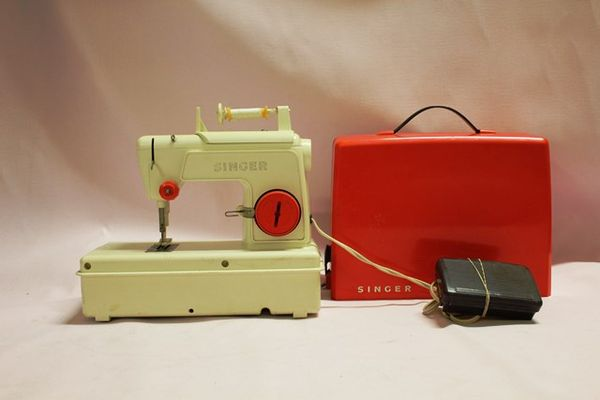 Singer Cased Toy Sewing Machine
