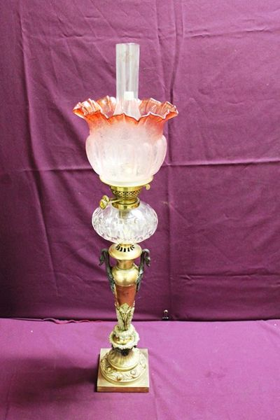 Stunning And Rare 19th Century Victorian Oil Lamp All Original Including Glass Shade