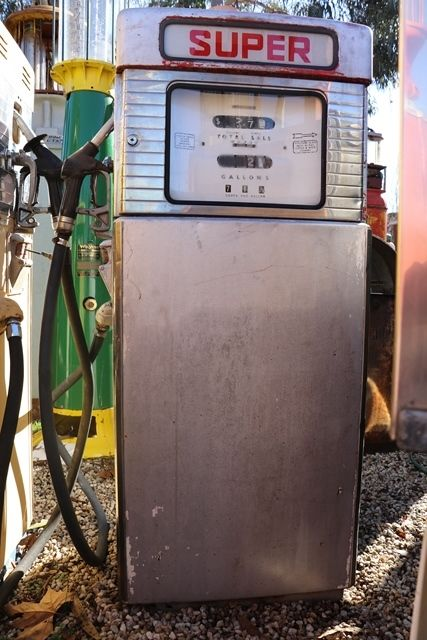 Super Petrol Pump