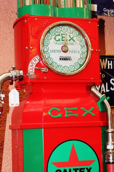 Superbly Restored Gex Caltex Petrol Pump