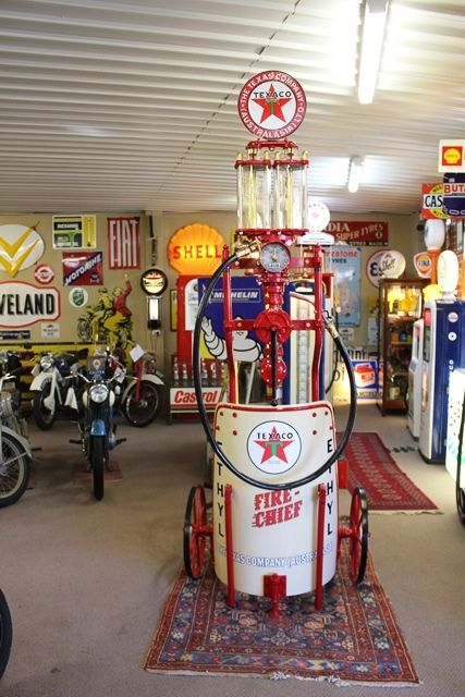 Vintage Satam Chariot Petrol Pump in Texaco Livery