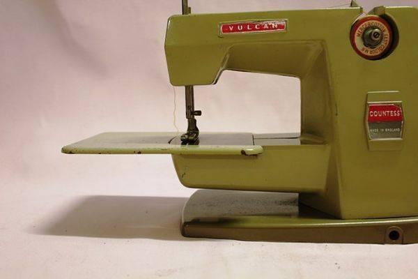 Vulcan Countess Toy Sewing Machine