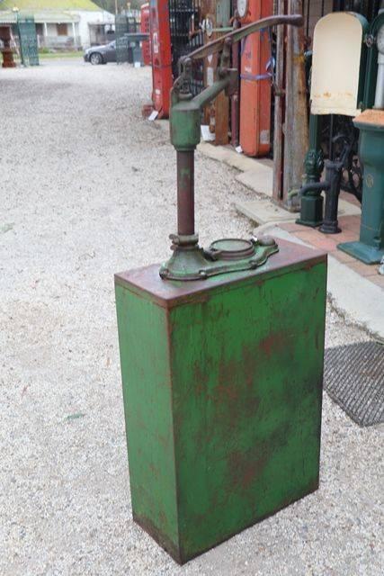 Wakefield Castrol Hi Boy Oil Dispenser With Original Wakefield Embossed Pump