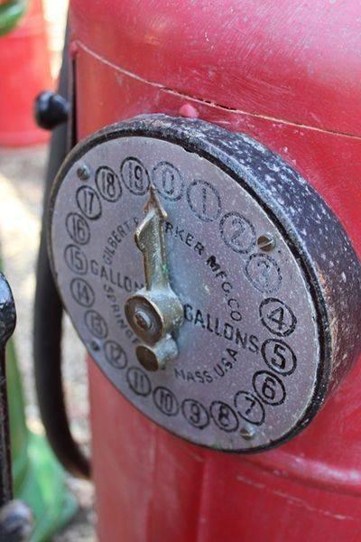 Gilbert + Barker 5 Gallon Petrol Pump