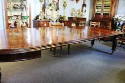 Round Mahogany Extention Table