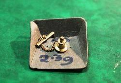 9ct Gold Esso Australia 10 Year Service Badge