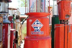 A Rare KeeSee 100a 10 Gallon Manual Petrol Pump For Restoration