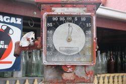 Boutillon Petrol Pump