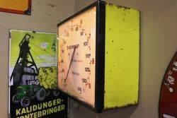 Dunlop Wall Mount  Air Pressure Gauge